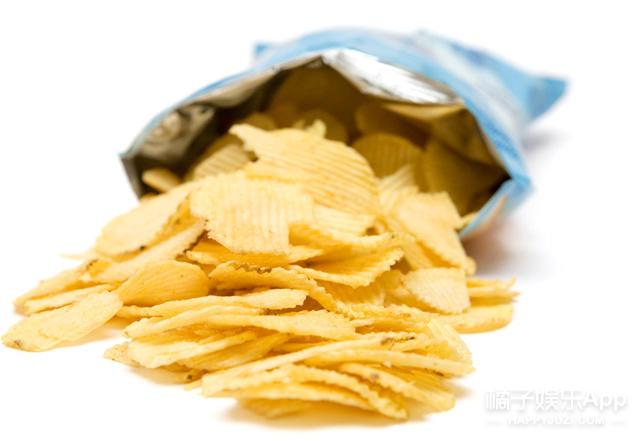 有时候零食啊、红糖啊啥的,一次吃不完如果不及时密封,就会潮掉!分享一个高能的方法!