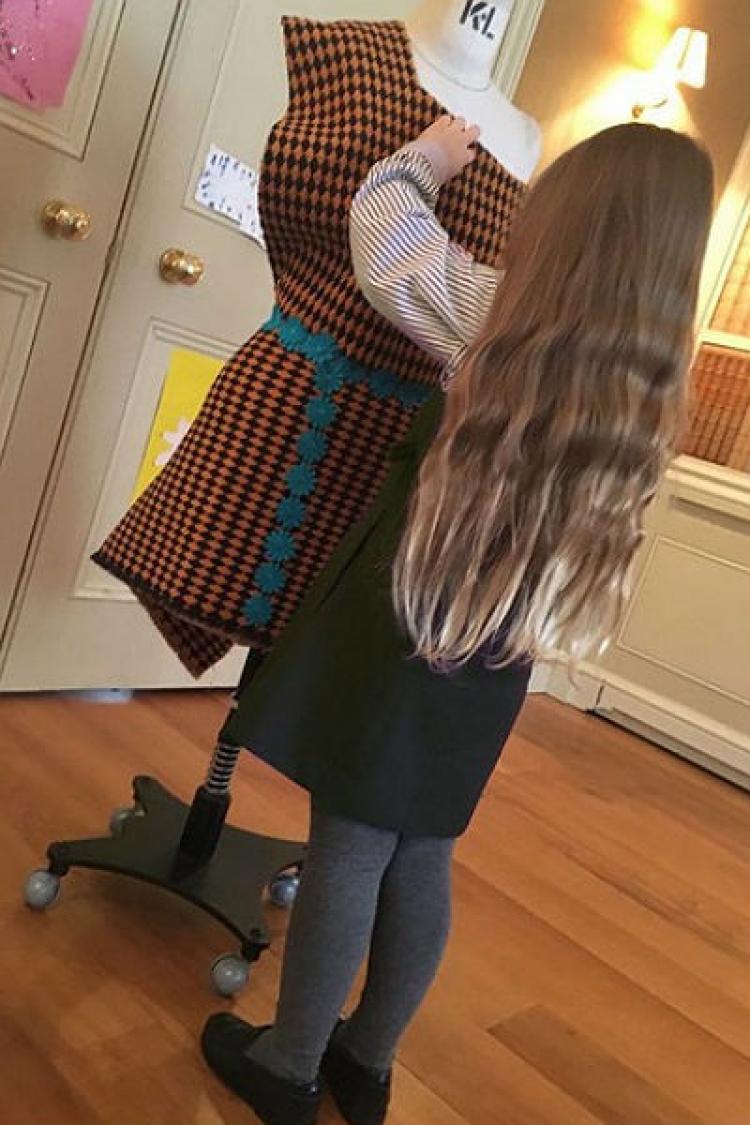 贝小七的时尚咖位有点大,不过5岁早就成为发烧股啦!