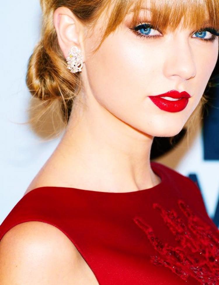 变美拔气场红唇让你变女王