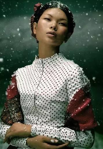 总有人嫌她长的丑,可她享受着范冰冰、郑爽唐嫣都没有的大腕待遇