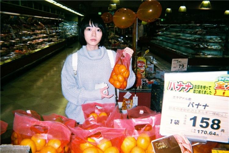 这个日本摄影师拍下了女朋友的全部日常,甜哭了