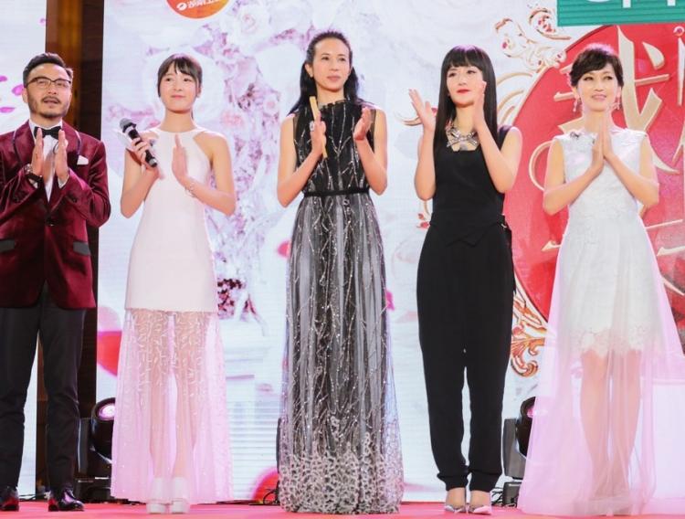 """当赵雅芝、刘嘉玲、莫文蔚、陈乔恩、谢娜同台,我开始反省""""女神""""的定义"""