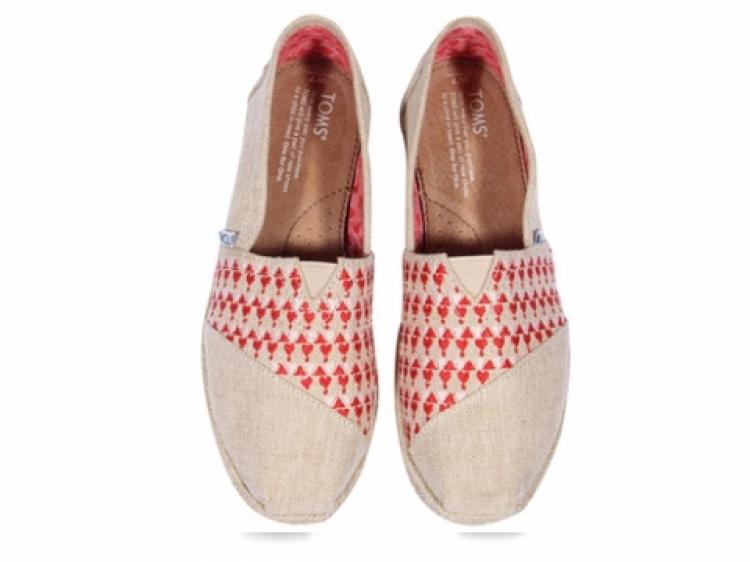 我天!权志龙说,现在鞋子得这么穿才最夯!