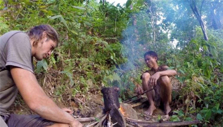 真实版的原始人,越南男子在山里隐居41年