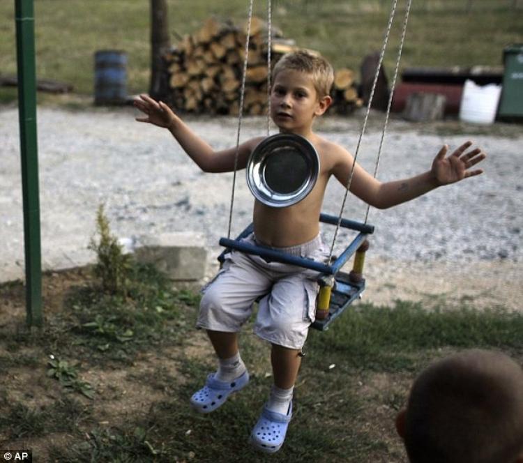现实版万磁王,9岁男孩自带磁力什么都吸