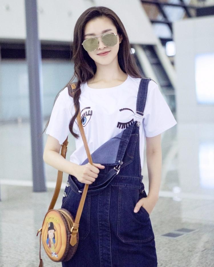 你说白T恤太无聊?那袁姗姗刘亦菲小宋佳怎么辣么时髦!