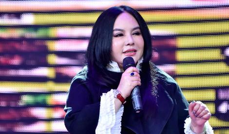 """歌手千百惠脸僵似塑胶人 变""""黑山老妖"""""""