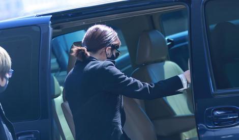 陈妍希低调现身机场 产后身材火速恢复