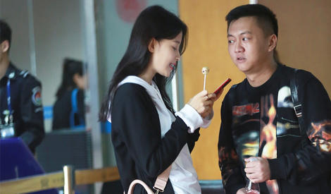 机场街拍:孙怡被爆怀孕后现身