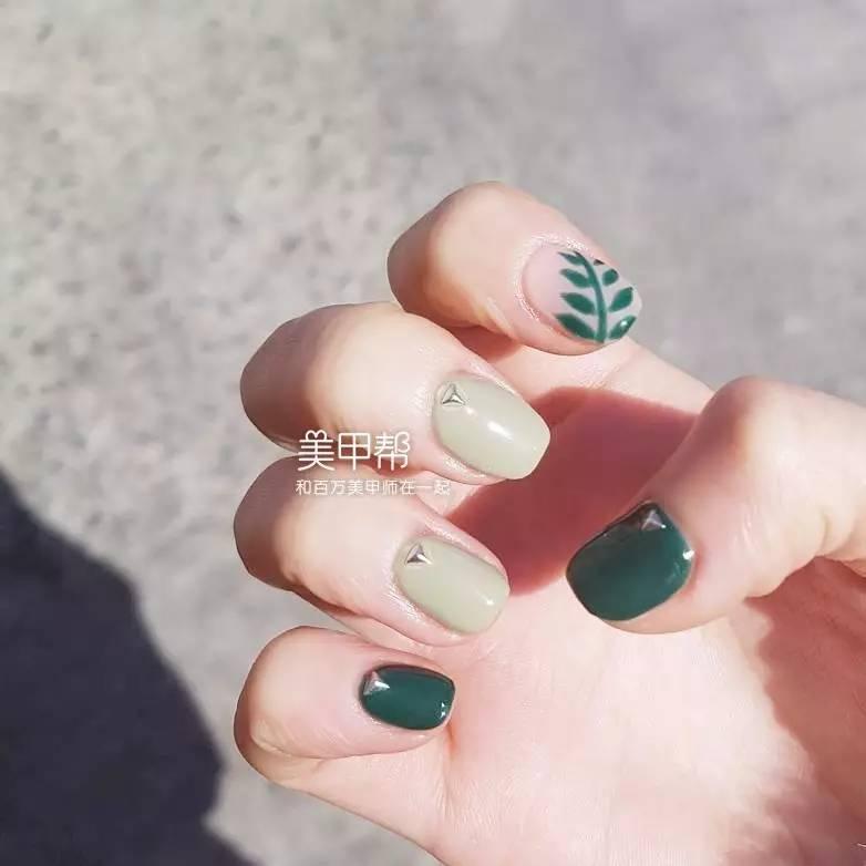 今年夏天,什么绿色美甲最好看?