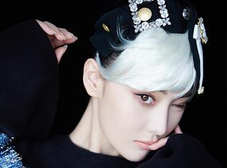 白发造型上线,还认得出这是张馨予吗?