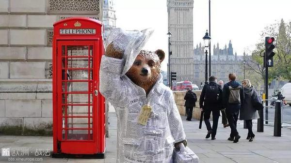 帕丁顿熊作者去世,这只秘鲁小熊温暖了一代代英国人的心...RIP -033a103e-b9cb-401d-942c-74023e843426.jpeg!ac1