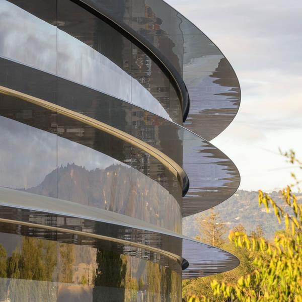 苹果用你们30万个肾造的新总部大楼,让设计师们气的要辞职! -26930ab5-f8ee-4d6f-9081-797338f9fc77.jpeg!ac1