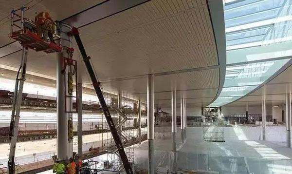 苹果用你们30万个肾造的新总部大楼,让设计师们气的要辞职! -2f69e047-3169-47d2-acca-3ec197c31deb.jpeg!ac1