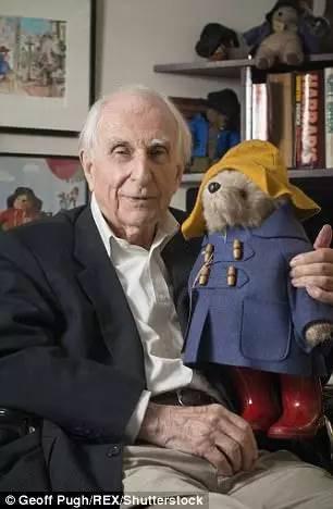 帕丁顿熊作者去世,这只秘鲁小熊温暖了一代代英国人的心...RIP -3e3026a6-b170-4969-9871-e328c93223e1.jpeg!ac1