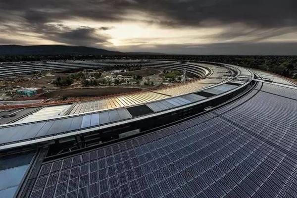 苹果用你们30万个肾造的新总部大楼,让设计师们气的要辞职! -471981c5-6d77-45d7-ae86-506ec55427c2.jpeg!ac1