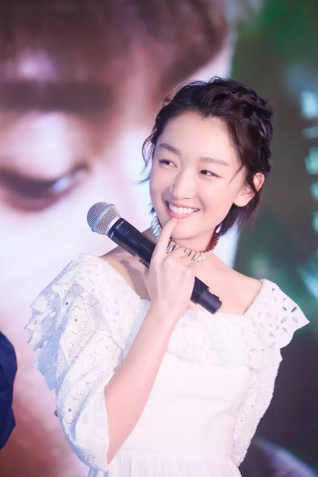 佟丽娅新发型惊艳众人,赵丽颖也一刀加入短发头发发色短发图片大全图片图片