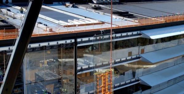 苹果用你们30万个肾造的新总部大楼,让设计师们气的要辞职! -b75a7a8d-8702-4732-89e4-1efe3a940829.jpeg!ac1
