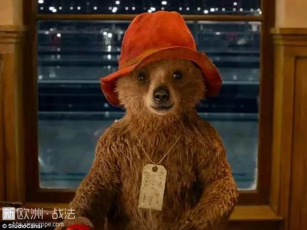 帕丁顿熊作者去世,这只秘鲁小熊温暖了一代代英国人的心...RIP -b8b35fbd-a660-4d78-a7c4-ac22abbbf6a0.jpeg!ac1