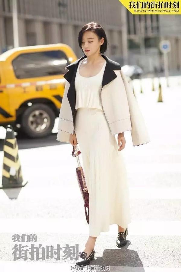 周冬雨、王子文穿对了长裙灵气又时髦,谁还在乎身高? -96a8fdba-2bd2-417d-a0d5-e397eff69a00.jpeg!ac1