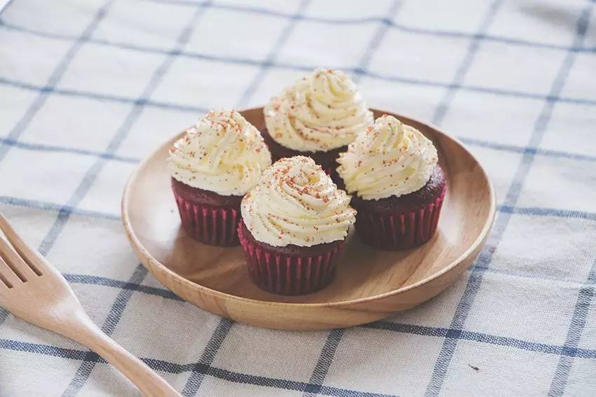 红丝绒纸杯蛋糕,步骤简单却高颜值