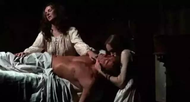 一男七女共处一室,性感过后是凶残。