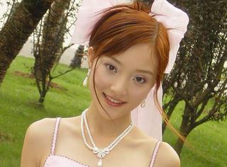 李小璐,青春若有张不老的脸,它一定不允许你活成芭比娃娃
