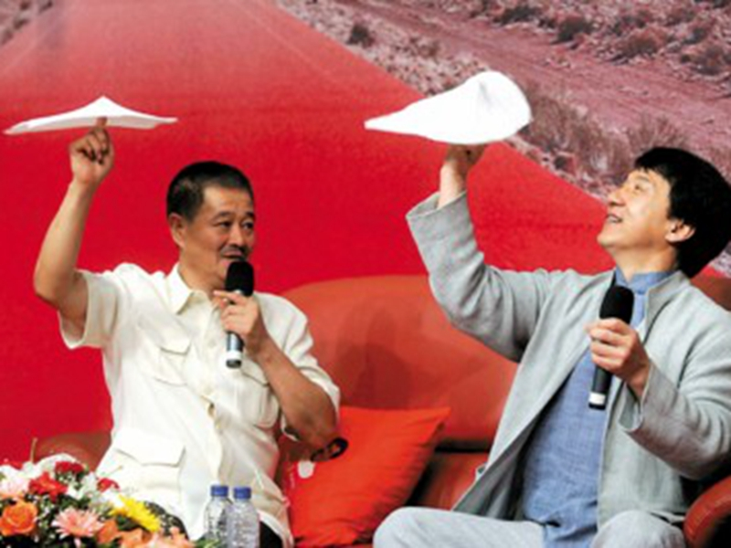 揭大明星早年落魄史:赵本山差点要饭成龙险被卖掉