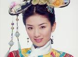 同时演过小燕子,为何她的命运和赵薇,李晟的如此不同?