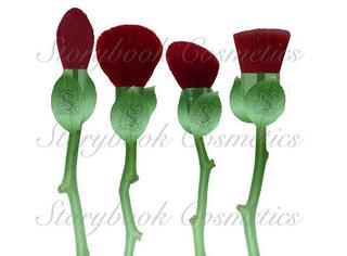 那个出哈利波特化妆刷的又出玫瑰花刷子了!