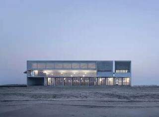 """它是中国""""最孤独的图书馆"""",却成了最拥挤的打卡圣地"""