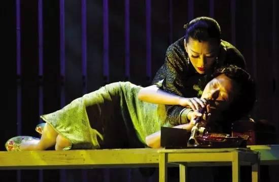 它是张爱玲笔下的女性悲剧,也是许鞍华导演的跨界大作!