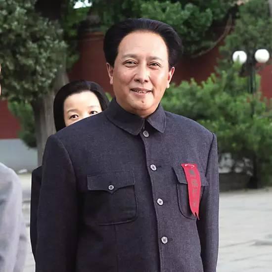 前妻离奇自杀,被传是负心汉?65岁唐国强如今过得怎么样