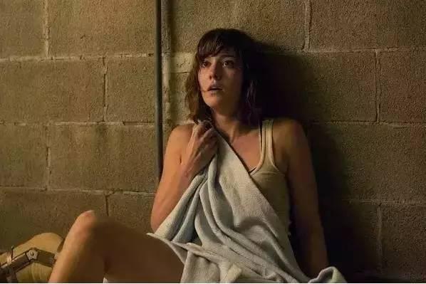 女主被变态囚禁地下室,这部电影让我吃了一惊