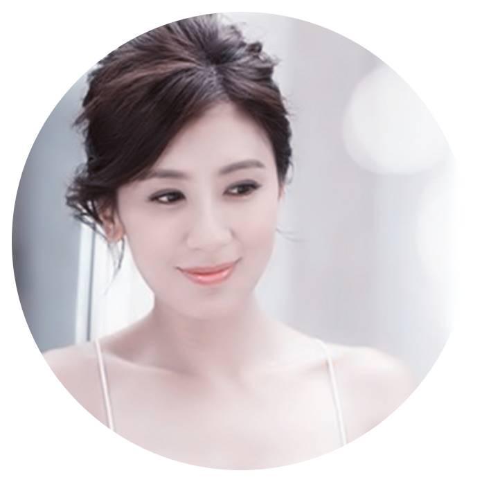 42岁的贾静雯要生三胎了,还能打败宋慧乔当选直男斩,被爱养的女人都会美一点。