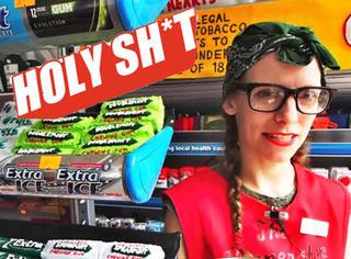 "【Holy Shit】这家小店只卖""假货""!想买还要预定哦!"