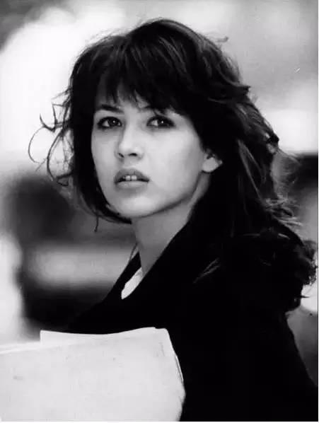 她美的销魂,除了赫本,比她美的人还未出生