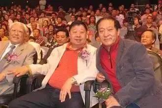 曾比赵本山还有名的喜剧明星,晚年却妻离子散生活落魄!