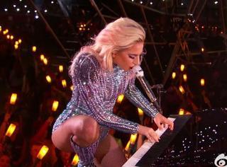 Gaga从天而降,带来震撼中场表演,看完感觉超级碗也可以结束了