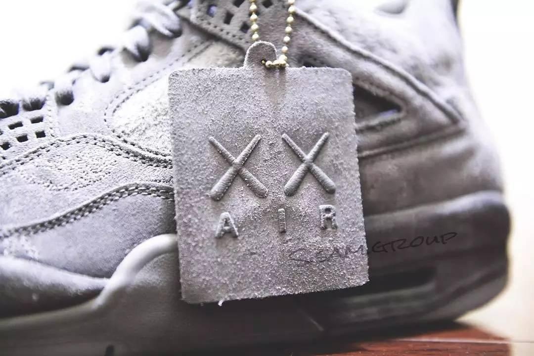 KAWS x AJ4细节曝光!A$AP Rocky与GUESS联名再袭 | 潮闻快食