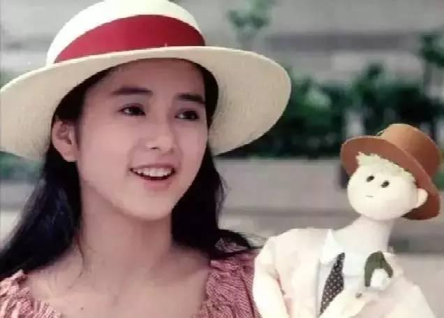 她的脸,是人们心中永远的19岁。