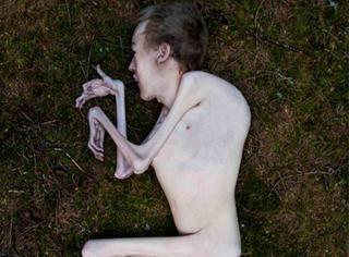 这是一个需要勇气才能点开的裸体写真照