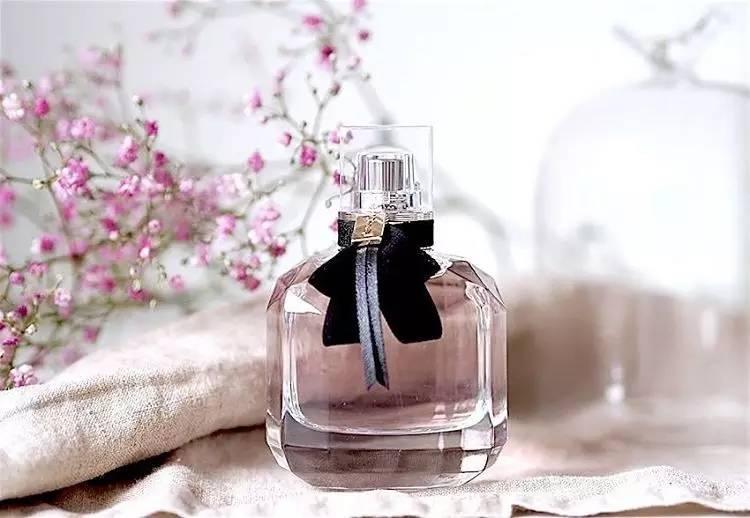 """10款自带""""春天味""""的香水,总有一款让你颠倒。"""
