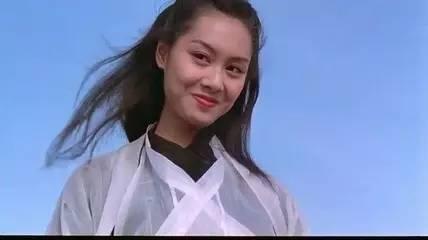 时隔22年,朱茵再扮紫霞仙子与至尊宝拥吻,网友评价一颦一笑还是那么美!!