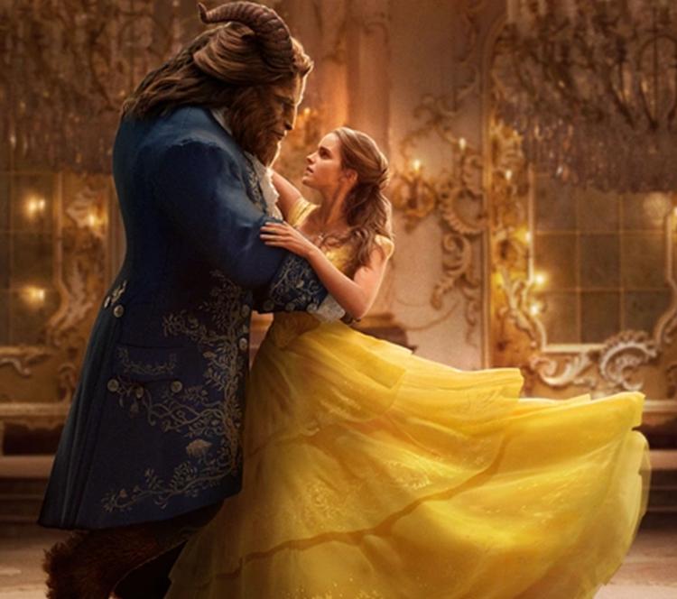 《美女与野兽》黄裙子耗时12000小时 用2160颗施华洛世奇水晶