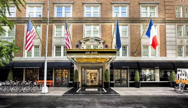 可以梳油头擦皮鞋打领带,这才是纽约上东区酒店的摩登范儿