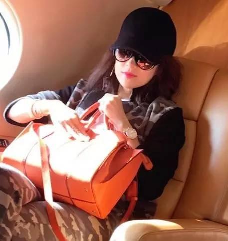 章子怡刘雯的新宠 竟然是这么低调的一款包包