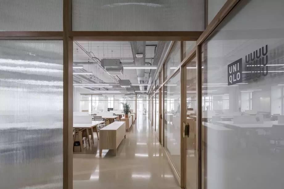日系品牌与法兰西的碰撞,优衣库在巴黎的设计室美得像一家店