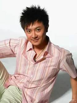 曾和黄晓明齐名,惨遭好友杜淳、李晨插刀,如今人气不在沦为配角!