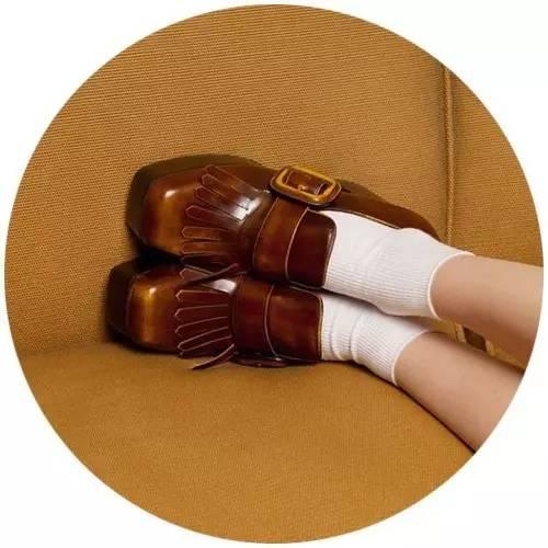 我买了双最适合夏天穿的鞋子方便又好看,明星们全是它的死忠粉!